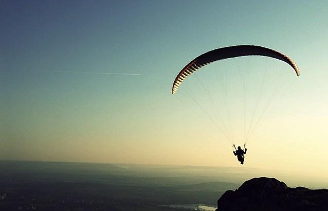 arriscar, permitir, saltar, pular de paraquedas