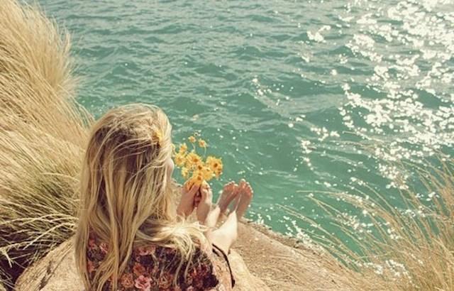 Atitudes para ter um ano melhor, pensando na vida, olhando o mar