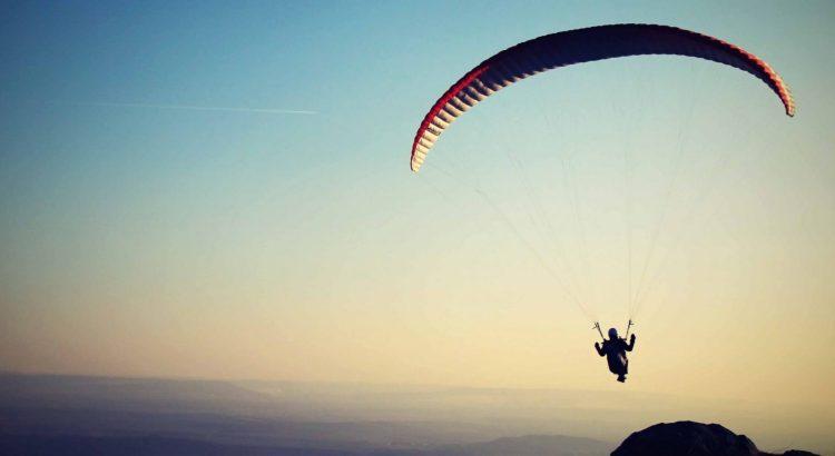 sucesso profissional, paraquedas, auge, pulo de paraquedas, desafio