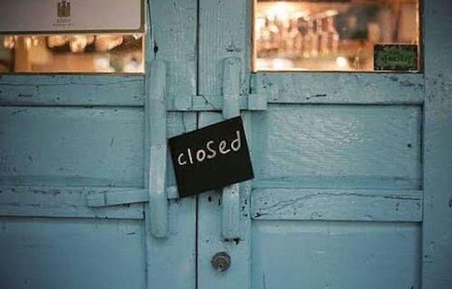 porta se fecha, porta fechada, closed