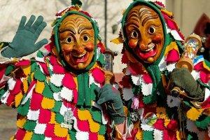 el baile de mascaras