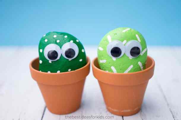 Painted Cactus Pet Rocks - Rock Painting Ideas - Here are ideas for painting rocks that don't require any artistic ability. Have fun painting kindness rocks and rocks for hiding your community.