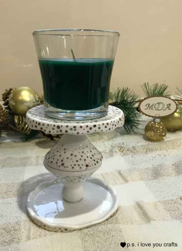 Make gold glitter Place card holders for your holiday dinner table. #GladeHolidayCheer #CollectiveBias
