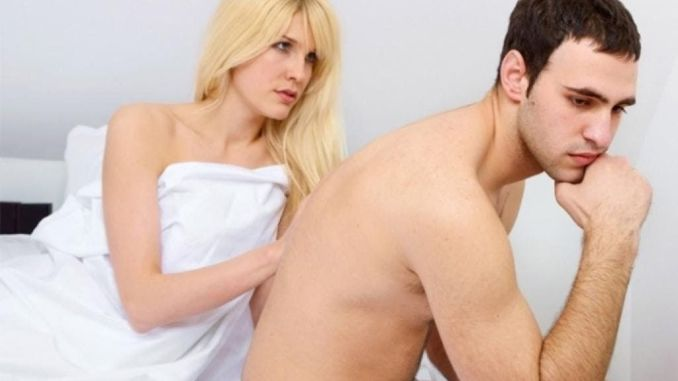 Hombre preocupado por eyaculación precoz