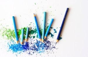 Colores en un papel blanco