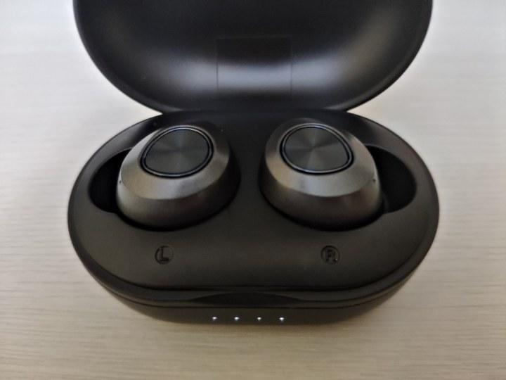 carga auriculares Lenovo HT10