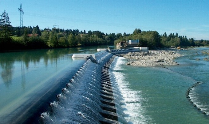 Emerging technologies and challenges in hydropower