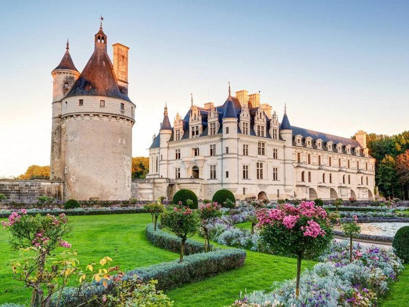 Chateau-de-Chenonceau-Chenonceaux-France fairy tale