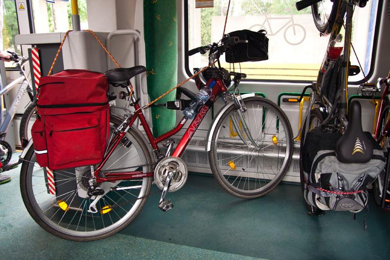Koleje Mazowieckie i wagon do przewozu rowerów