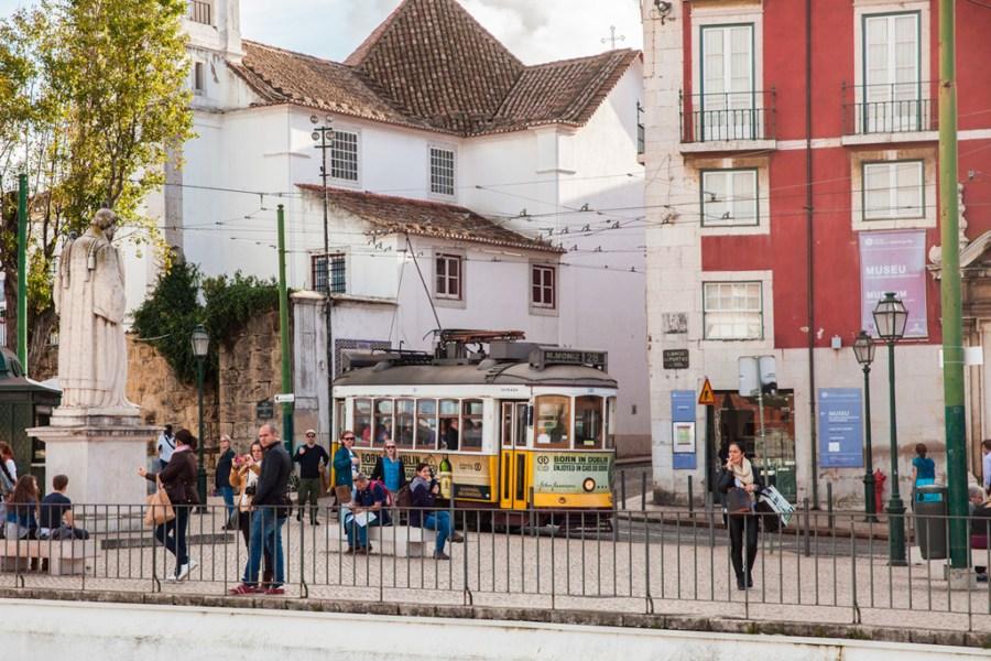 Lizbona, galeria zdjęć. Jesień w Lizbonie wygląda jak lato u nas