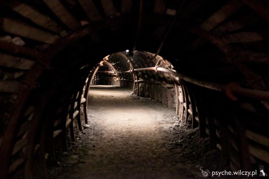 Kopania Guido - przestronny korytarz na poziomie 320 metrów