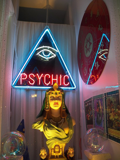 Phony Psychic: How to spot and avoid one