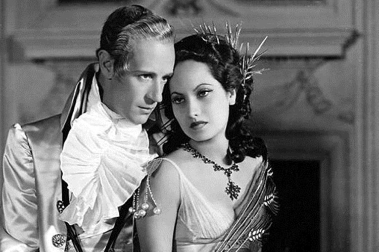 Scarlet Pimpernel--Leslie Howard