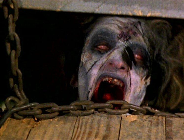 Evil-Dead-81-02