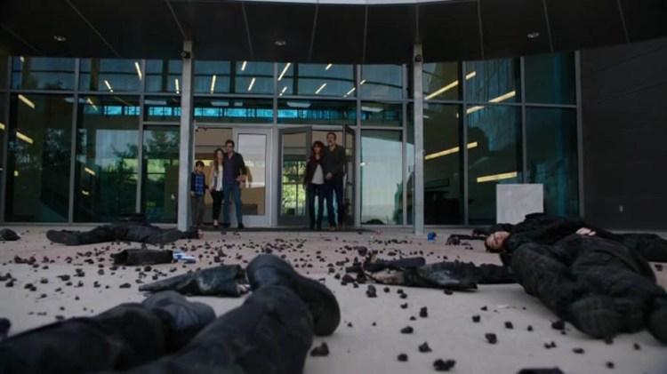 Extant-Season-2-Episode-12-robot-carnage