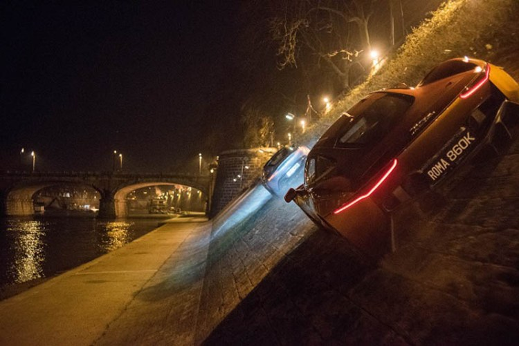 Spectre James Bond car chase