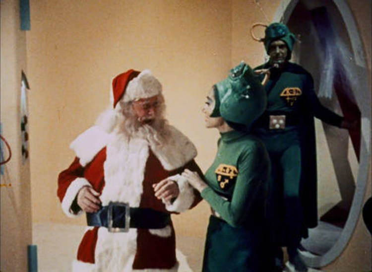 santa-claus-conquers-the-martians-05