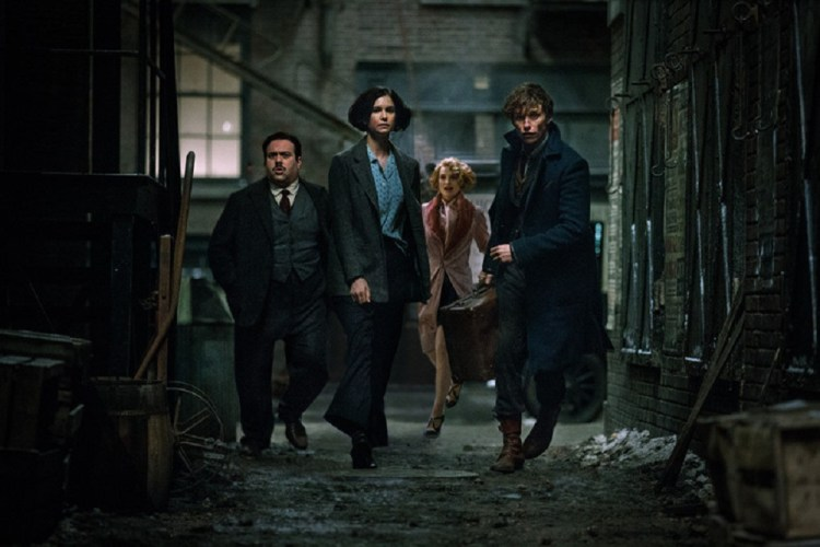 rs_1024x683-161111052810-1024-fantastic-beasts-and-where-to-find-them-111116