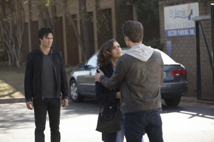 someone-is-in-trouble-the-vampire-diaries-season-8-episode-8
