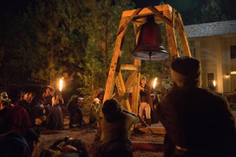 ringing-the-bell-the-vampire-diaries-s8e12-witches