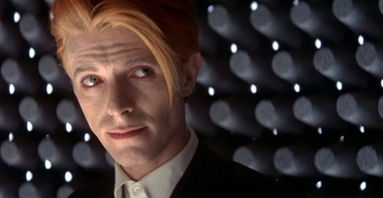 the-man-who-fell-to-earth-bowie