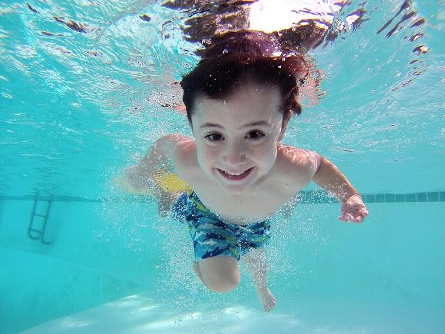Les bienfaits de la natation sur les enfants et les bébés 2