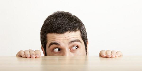 人が怖い心理と原因