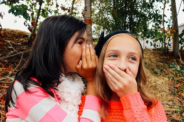口が軽い人の特徴