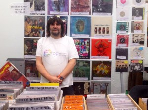 Pete at record fair front page image