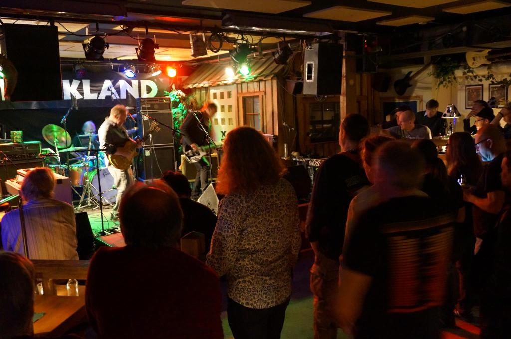 Slapran plays rare gig in front of Rockland audience