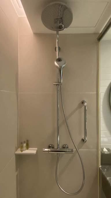 ダブルツリーバンコクプロエンチット シャワー