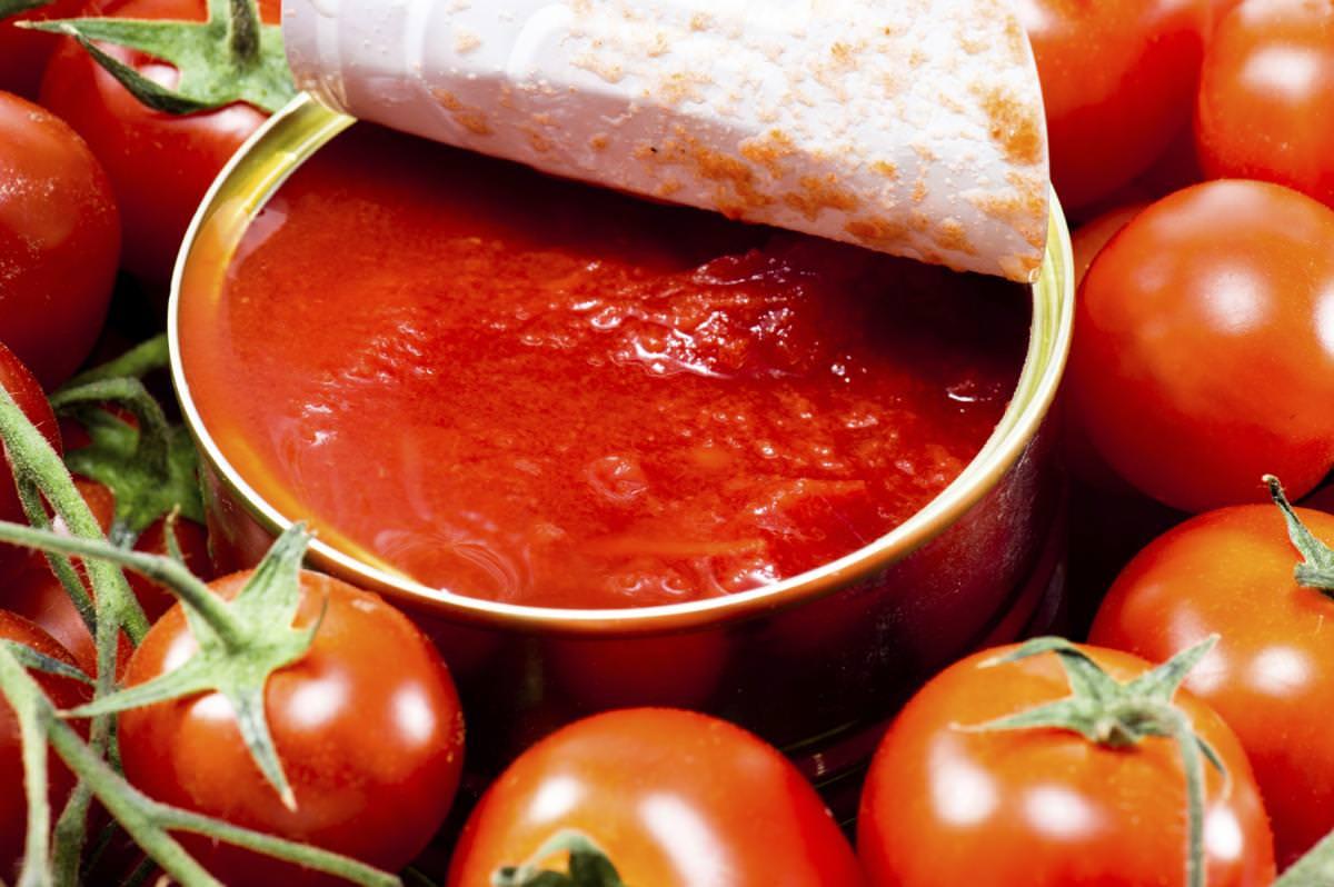 tomate em lata faz mal e causa câncer