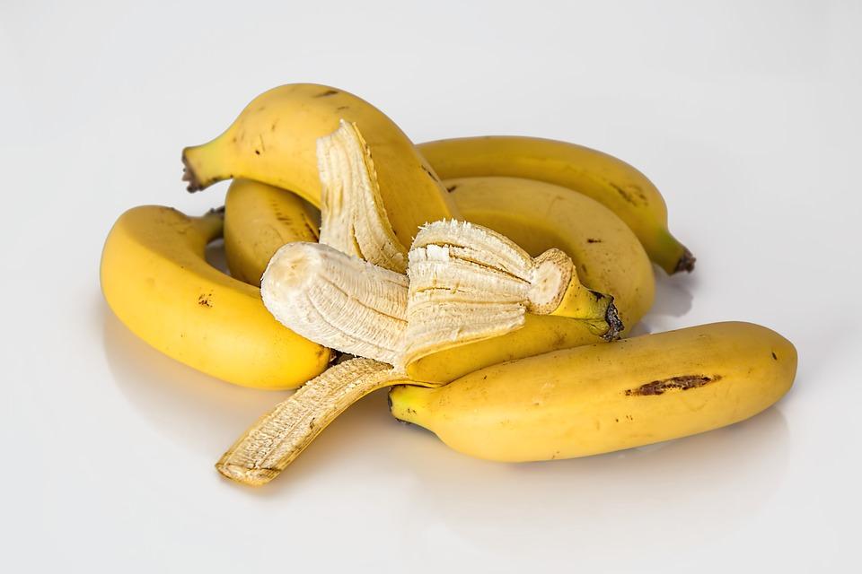 comer bananas é bom para recuperar após exageros na ceia de Natal
