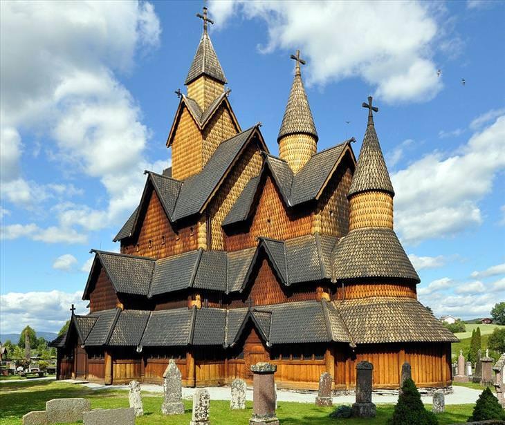 As igrejas de madeira na Noruega