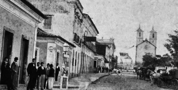 Florianópolis, capitale de l'Etat de Santa Catarina, au moment de l'enfance de Antonieta. Publiée avec l'autorisation de Magnolia Produções / Traitement par Yannet Briggiler