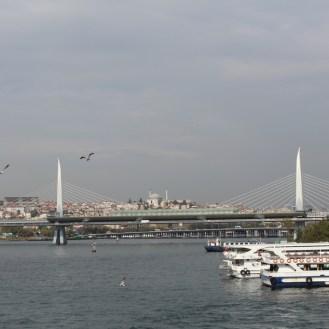Vista da Ponte Galata, Istambul, por Packing my Suitcase.
