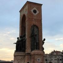 Praça Taksim, Istambul, por Packing my Suitcase.