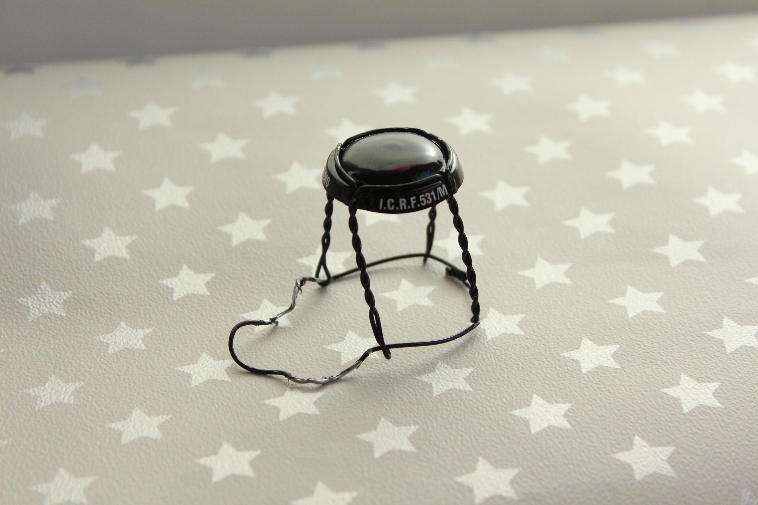 fabriquer une chaise miniature avec une