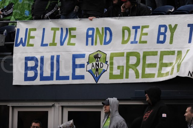 bule-and-green-tifo