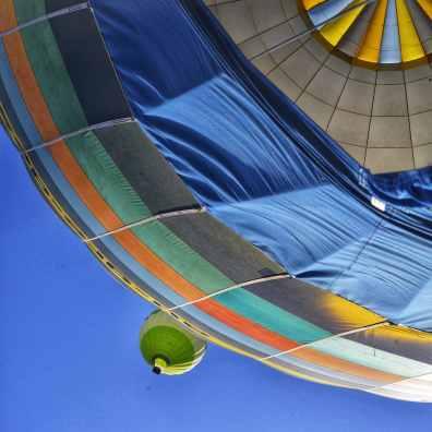 La première montgolfière est partie. Ca va être à nous !