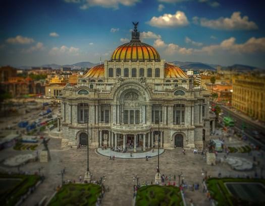 Bellas Artes, explanada