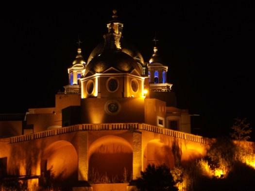 Iglesia-Cholula-de-noche