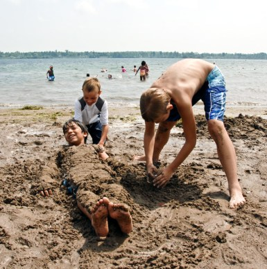 Beaver Island State Park (Niagara Region): Located at the south end of Grand Island in the upper Niagara River, Beaver Island State Park includes a half-mile sandy beach for swimming.