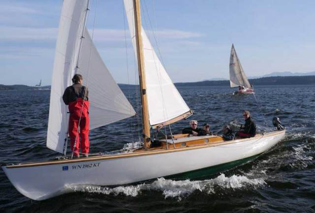One our Bay's quickest and loveliest boats, Steve Scharf's SIROCCO.