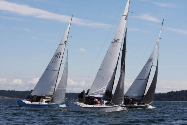 Tight racing to weather in the 2015 Thunderbird Regional Regatta. Photo by Steve Scharf.