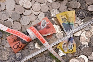recession australia note money economy squeeze tighten save saving budget cut