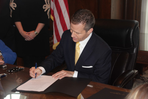 Greitens targets boards and commissions with latest executive...
