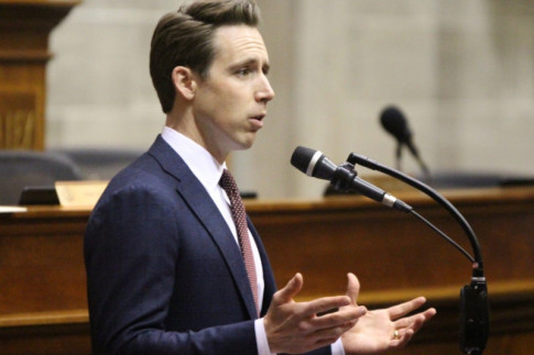 Hawley asked by prominent Republicans to run for Senate in 2018