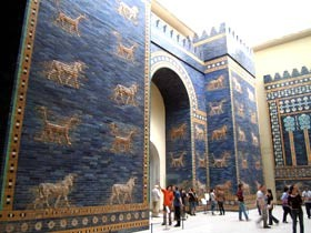Poarta lui Ishtar de la Pergamonmuseum din Berlin