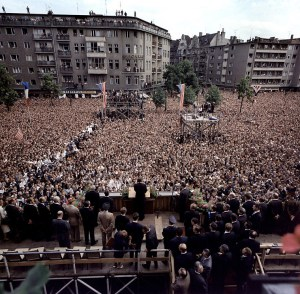 President Kennedy's address to the people of Berlin. Rudolph Wilde Platz, West Berlin, Federal Republic of Germany, June 1963 © Robert Knudsen | John F. Kennedy Presidential Library and Museum, Boston.